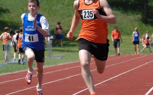 Oscar Bruce claimed second spot in the U15 400m