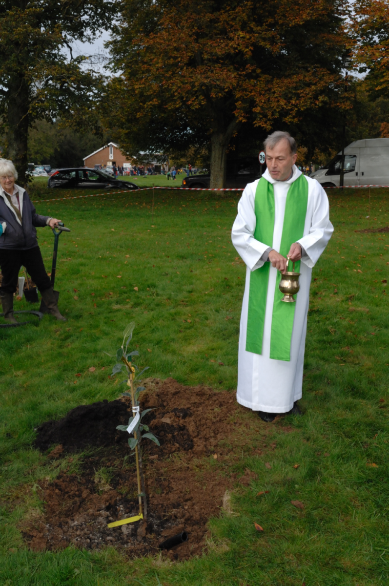 Rev Canon Andrew Studdert-Kennedy performs the blessing