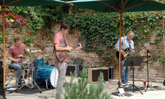 Bob Bowles band at the Royal Oak