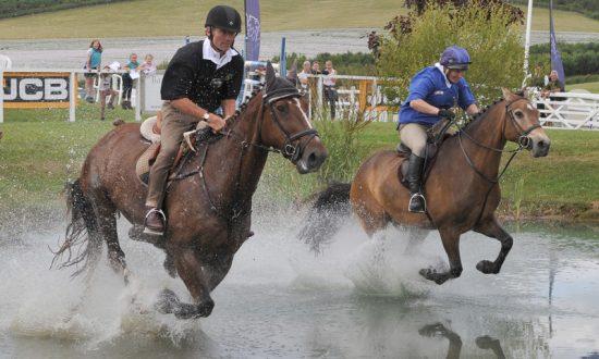 John Francome & Zara Phillips making a splash (Photo: Trevor Meeks)