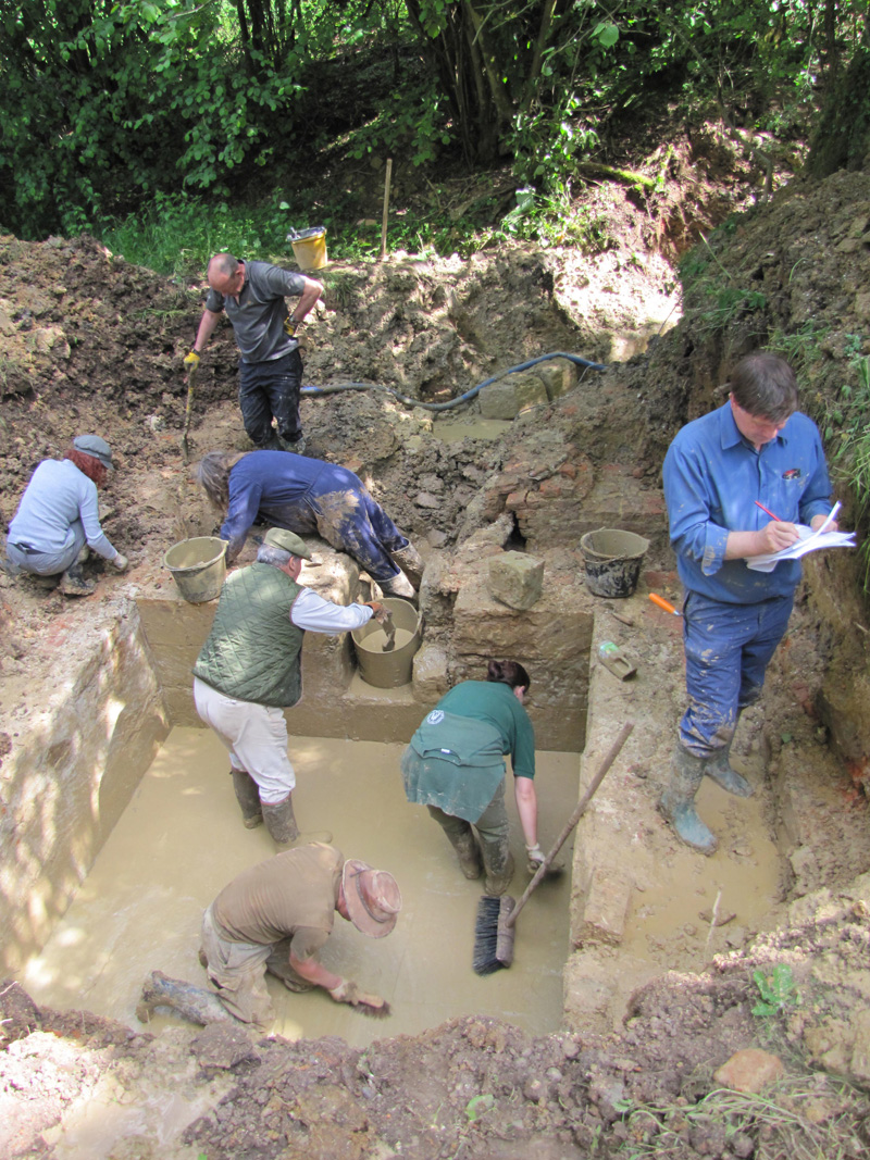 Excavating the Tidcombe Gate water tank at the end of the conduit