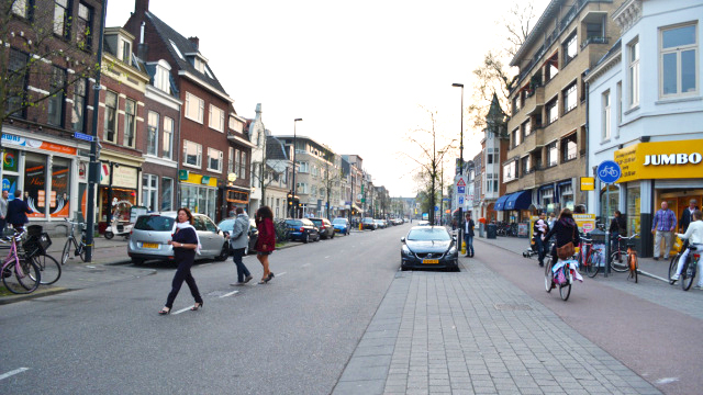 Utrecht:  Cars, pedestrians, cyclists and trees in harmony