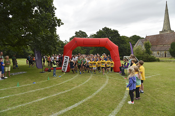 The start of the 10k race at the Savernake Fun Run