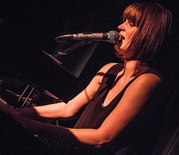Emma Jonson Boogie Woogie Pianist