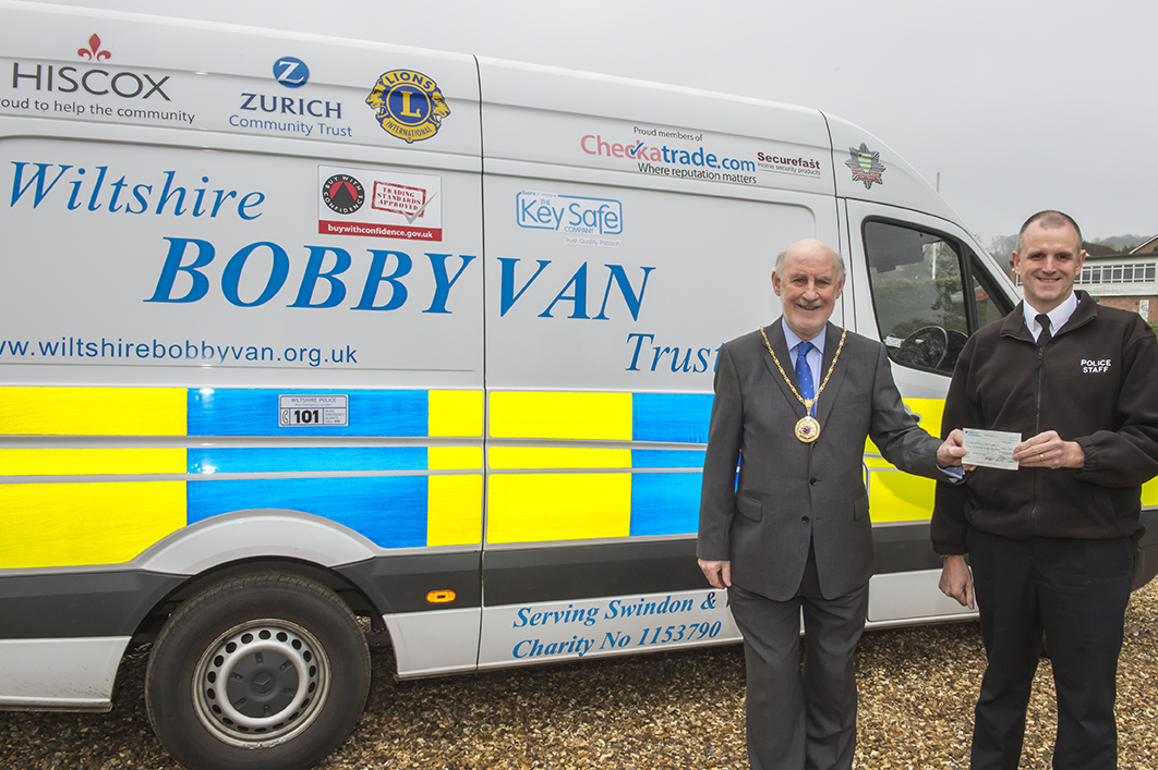 Mayor Noel Barrett-Morton handing over the grant cheque for £350 to Bobby Van Operator, Doug Batchelor