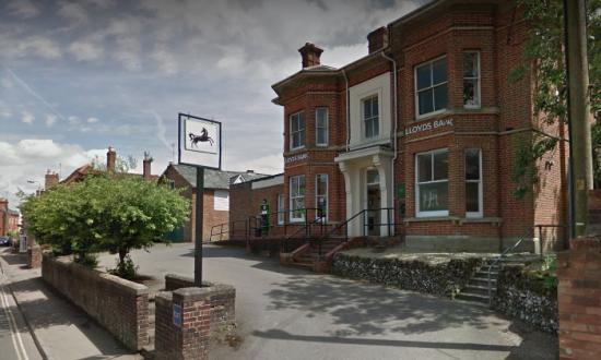 Lloyds Bank in Pewsey image courtesy of Google