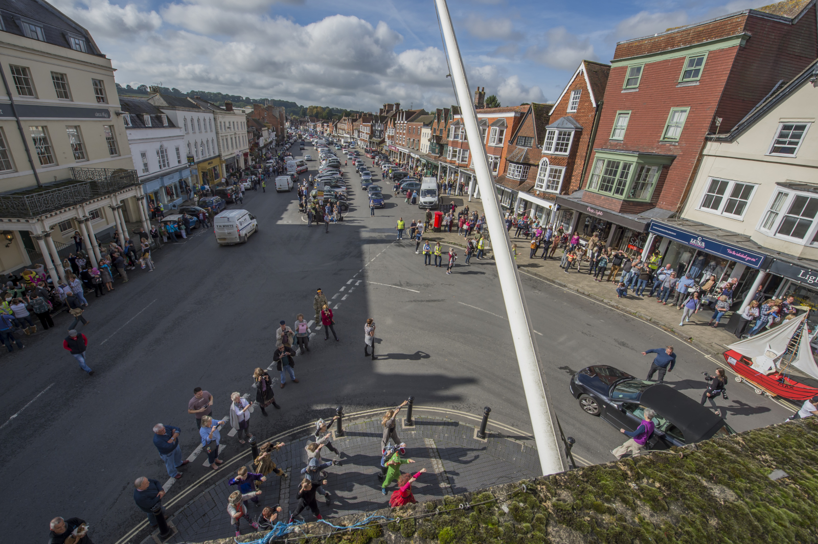 The scene of the FlashMob from the Town Hall balcony