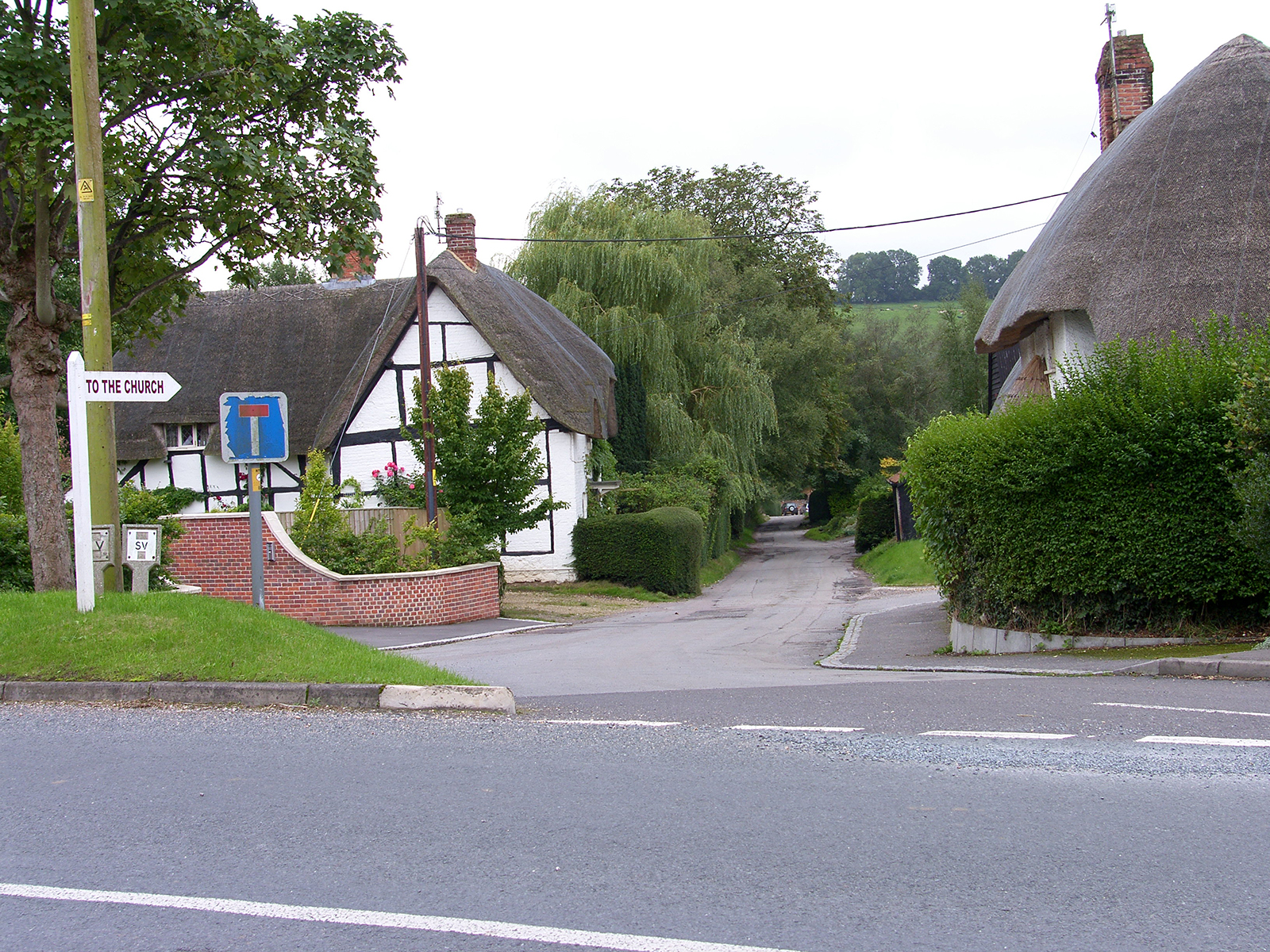 The beautiful serene setting of Church Lane, in Wiltshire's Best Kept Village 2017 - Mildenhall....!