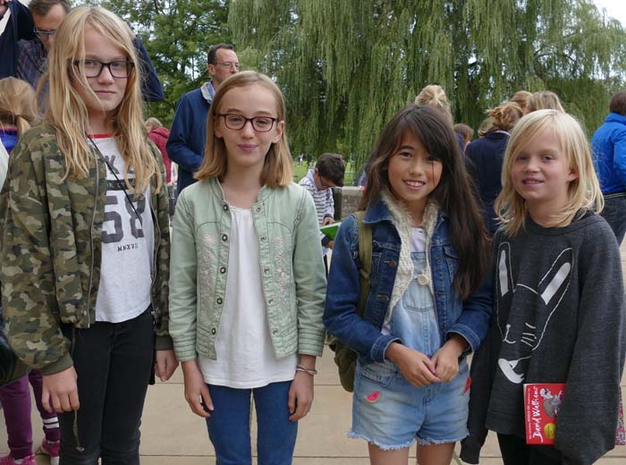 Four Walliams fans - Phoebe (11), Matilda (11), Isabel (9) & Hannah (9)