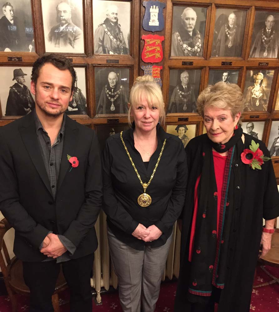 Alexander Waldmann, Town Mayor Lisa Farrell and Dame Janet Suzman