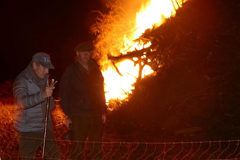 Ken Carter with Sid Vincent after the lighting of the Rockley beacon