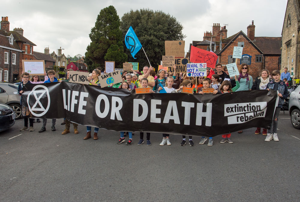 Extinction Rebellion marchers set off from Library