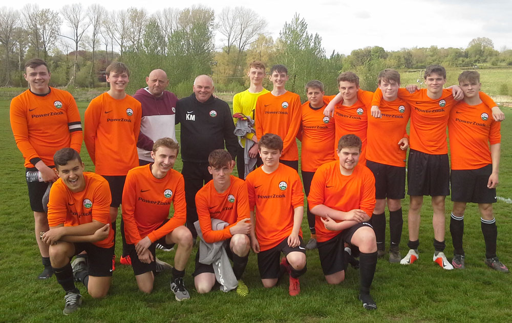 MYFC Magpies with Geordie Foster and Keith Marshall