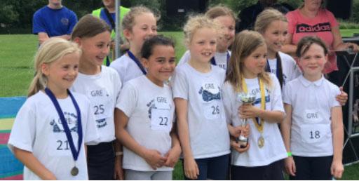 Great Bedwyn School winning girls' team