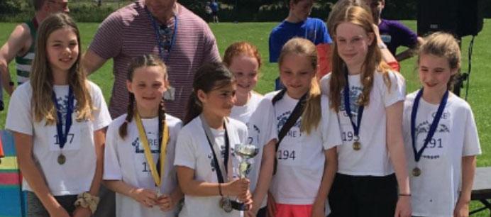 Winning mini marathon girls