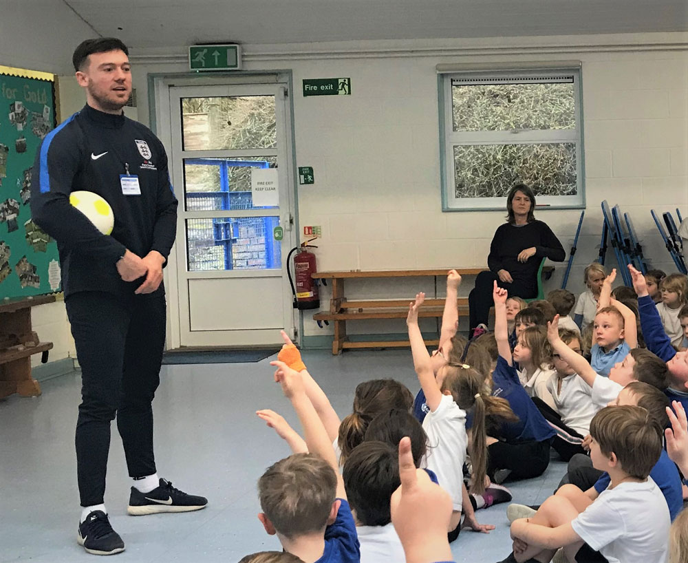Paralympian Jack Rutter speaking to Ramsbury Primary pupils