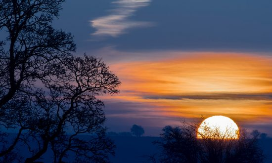 Avebury-Sunrise neil goodwin
