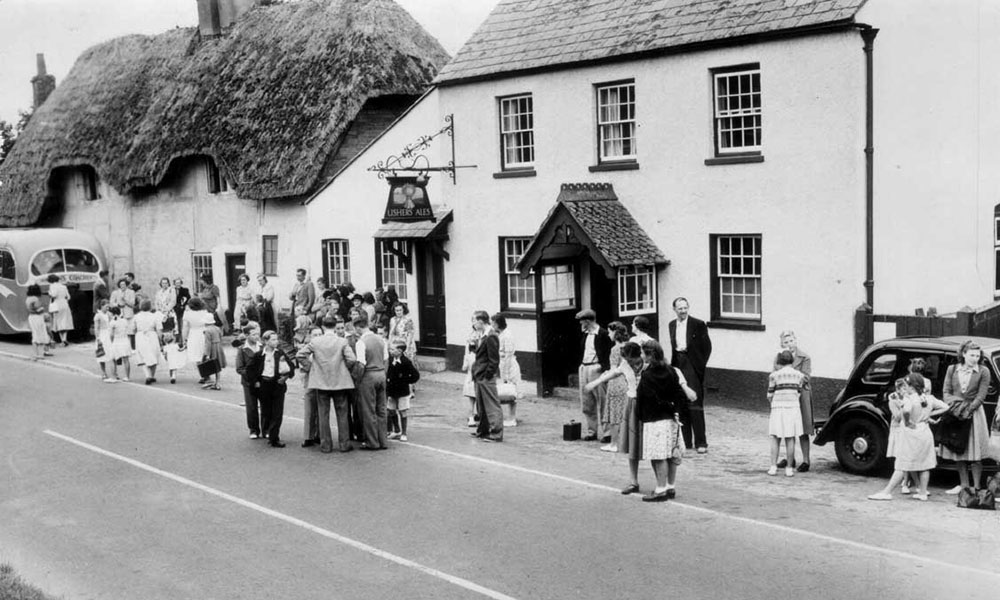 The Wheatsheaf' - 'Silks on the Downs' in another era