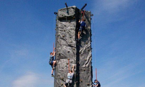 Mountain-climbing-wall
